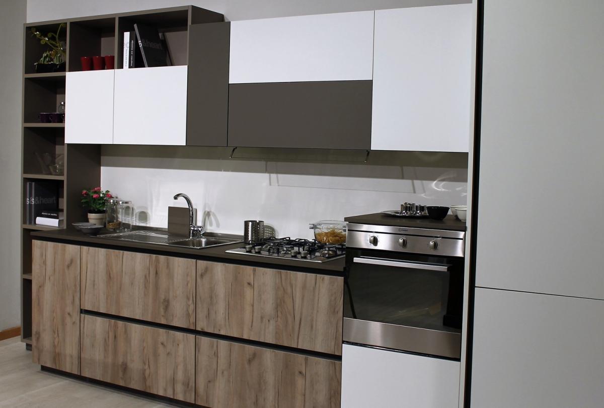 Promo cucina lineare lube immagina lux sala arredamenti for Lube immagina